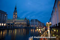 Hamburg Rathaus at night